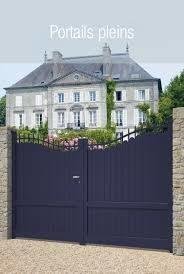 Portails, portillons et clôtures en acier